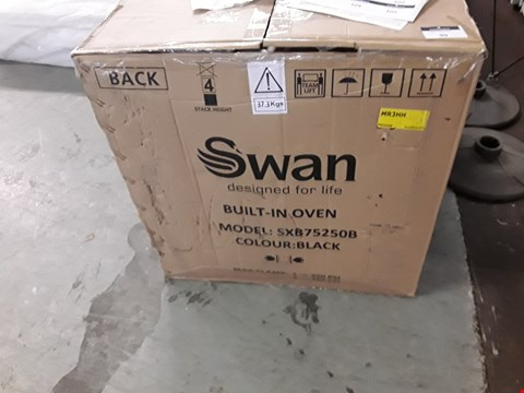 Lot 99  SWAN SXB75250B 60CM ELECTRIC MULTIFUNCTION SINGLE OVEN - BLACK GLASS RRP £229.99