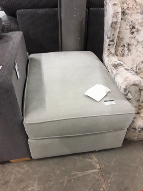 Lot 31 DESIGNER LIGHT GREY FABRIC FOOTSTOOL
