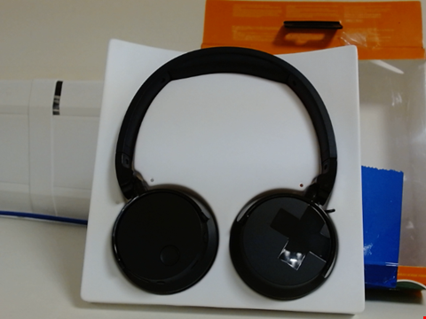 Lot 15057 PHILIPS AUDIO TABH305BK/00 BLUETOOTH ON EAR HEADPHONES WITH ACTIVE NOISE CANCELLATION (VOLUMINOUS BASS, 18 HOUR BATTERY LIFE, FOLDABLE) - BLACK