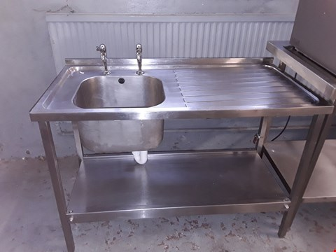 Lot 45 COMMERCIAL STAINLESS STEEL SINGLE BOWL SINK UNIT WITH STORAGE SHELF