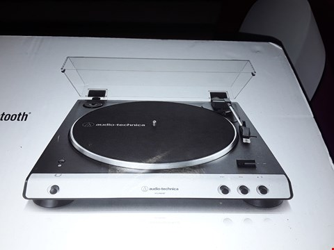 Lot 5547 AUDIO-TECHNICA AT-LP60XBT FULL AUTOMATIC WIRELESS BELT-DRIVE TURNTABLE