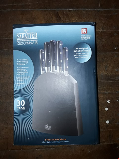 Lot 2356 GRADE 1 SABATIER 5 KNIFE BLOCK SET, CARBON STAINLESS STEEL BLADES RRP £110