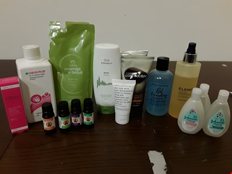 Lot 8096 LOT OF ASSORTED HEALTH AND BEAUTY ITEMS TO INCLUDE NATURE SHAMPOO, ARTIFICIAL HAIR AND JOHNSON'S BABY OIL