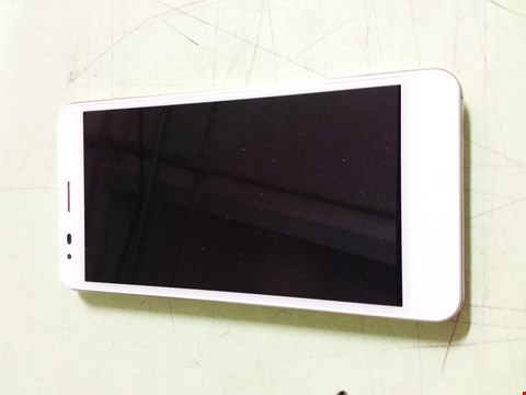 Lot 458 BOXED WILEYFOX SPARK X MOBILE PHONE WITH CHARGER - WHITE WITH SPARK PLUS OFFICIAL HARD CASE (2 ITEMS)