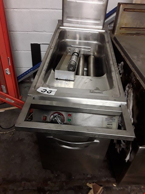 Lot 70 COMMERCIAL STAINLESS STEEL GAS FRYER