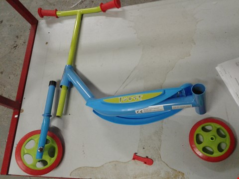 Lot 860 BOXED TOY STORY 3 WHEELED SCOOTER RRP £31