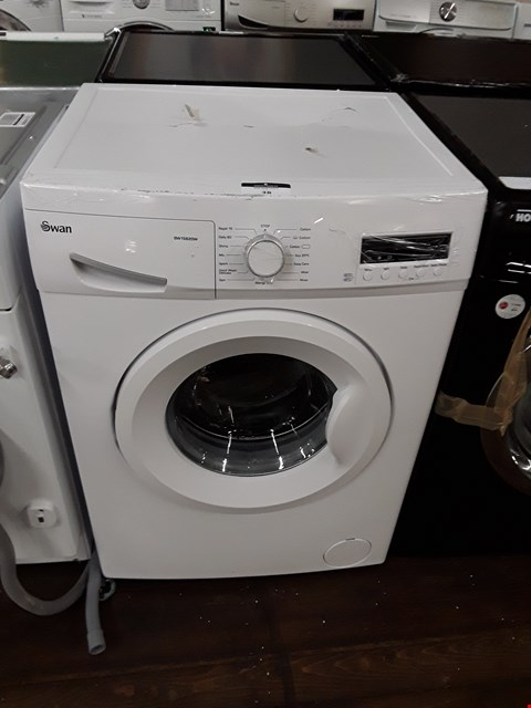 Lot 38 SWAN SW15820W WASHING MACHINE  RRP £279.99