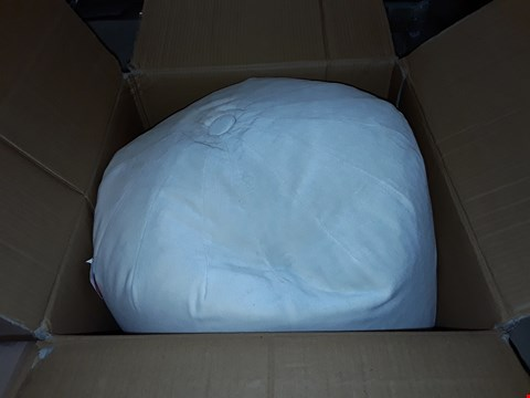 Lot 270 BOXED CREAM VELVET POUFFE