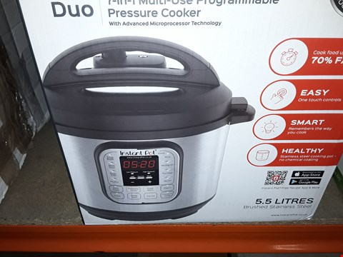Lot 611 INSTANT POT 7 IN 1 PRESSURE COOKER