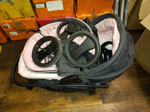 Lot 773 HAUCK MALIBU ALL IN ONE TRAVEL SYSTEM RRP £495