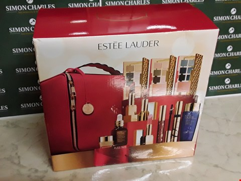 Lot 12003 ESTEE LAUDER STYLE MAKE UP GIFT BOX