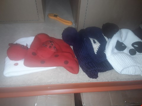 Lot 1077 BOX OF APPROXIMATELY 70 ASSORTED BRAND NEW HATS TO INCLUDE BEANIES AND KITTED BOBBLE HATS