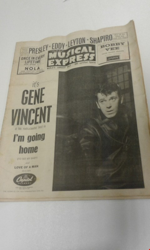 Lot 8252 NEW MUSICAL EXPRESS AUGUST 25 1961 'ITS GENE VINCENT AT HIS ROCK A BEATIN BEST IN I'M GOING HOME' MAGAZINE