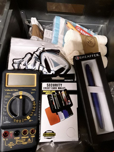 Lot 44 BOX OF ASSORTED ITEMS TO INCLUDE WAVERED MULTIMETER,  SECURITY CREDIT CARD WALLET, SHEAFFER INK PEN , ORGSNIC COTTON PRODUCE BAG ETC (BOX NOT INCLUDED)