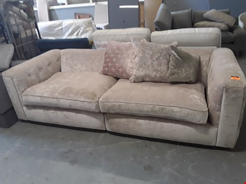 Lot 231 QUALITY BRITISH DESIGNER MINK FABRIC 4 SEATER SOFA WITH SCATTER BACK CUSHIONS