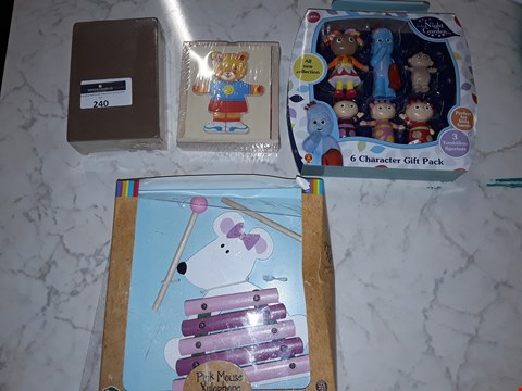 Lot 240 LOT OF APPROXIMATELY 4 ASSORTED TOY ITEMS TO INCLUDE IN THE NIGHT GARDEN GIFT PACK, PINK MOUSE XYLOPHONE AND DRESSING BEAR GIRL