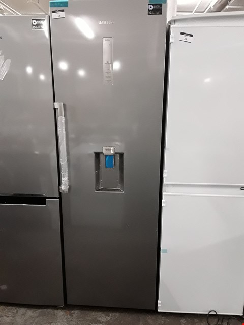 Lot 44 SAMSUNG FREESTANDING 1-DOOR 70/30 FRIDGE FREEZER IN GRAPHITE - RR39M7340SA