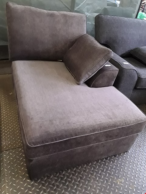 Lot 89 QUALITY DESIGNER BRITISH MADE STAMFORD MINK FABRIC CHAISE SECTION WITH BOLSTER CUSHION