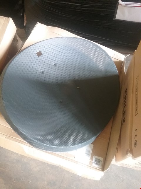 Lot 79 LOT OF APPROX 6 ASSORTED SATELLITE DISH KIT WITH MOUNTING BRACKET VARIOUS SIZES