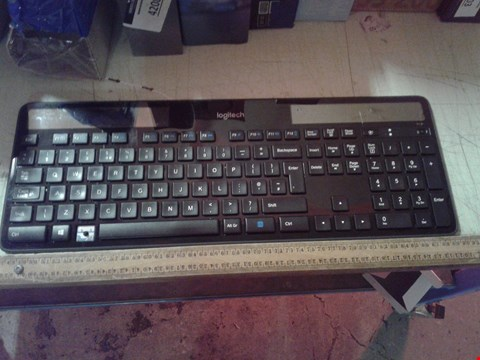 Lot 4209 LOGITECH K750 WIRELESS SOLAR KEYBOARD