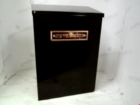 Lot 11093 STERLING THAMES STEEL NEWSPAPER BOX