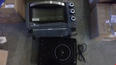 Lot 2215 A LOT OF 2 ITEMS TO INCLUDE COUNTERTOP OVEN AND SLIM INDUCTION HOB.