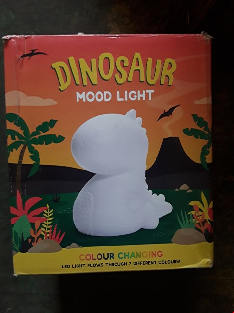 Lot 7269 LOT OF APPROXIMATELY 4 ITEMS TO INCLUDE PLAY DOH FUN ACTIVITY ROCKET PACK, A DINOSAUR MOOD LIGHT, WOODLAND ANIMALS LIGHT GARLAND ETC