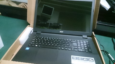 Lot 1477 ACER ASPIRE ES17 BLACK LAPTOP WITH CHARGER RRP £509.99