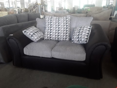 Lot 16 DESIGNER BLACK FAUX LEATHER AND SILVER GREY FABRIC COMPACT 2 SEATER SOFA WITH SCATTER BACK CUSHIONS