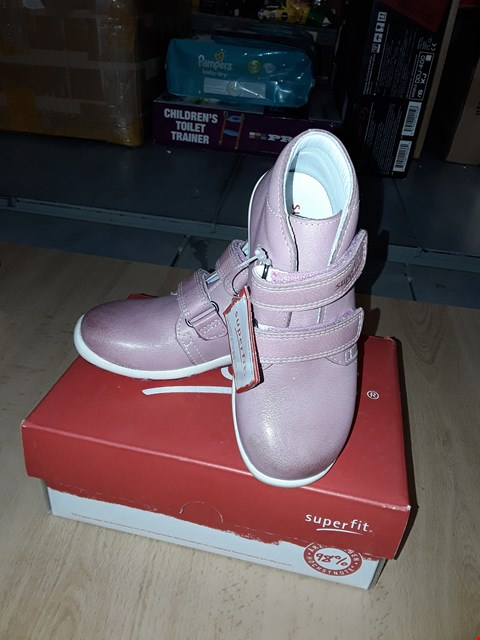 Lot 12376 BOXED SUPERFIT LAURIE NAPPA LEATHER PINK VELCRO SHOES UK SIZE 8 JUNIOR