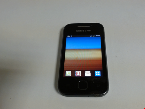 Lot 5124 SAMSUNG GALAXY YOUNG GT-S5360 ANDROID SMART PHONE
