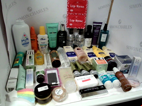 Lot 11014 LOT OF ASSORTED HEALTH & BEAUTY PRODUCTS TO INCLUDE: JOHNSON'S BABY POWDER, ASSORTED SUN PROTECTION, ASSORTED BATHROOM & MAKEUP PRODUCTS