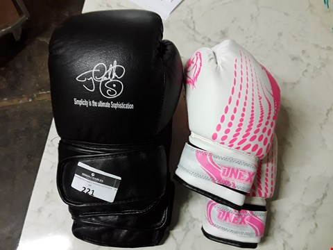 Lot 221 2 ASSORTED PAIRS OF BOXING GLOVES TO INCLUDE ONEXSPORT IN PINK