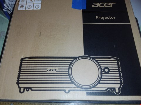 Lot 1752 ACER X138WH PROJECTOR