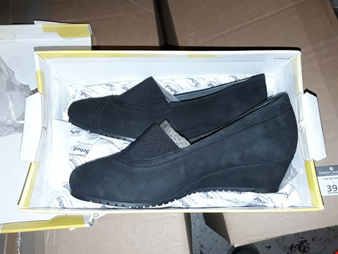 Lot 379 3 PAIRS OF SCHOLL HELEN LEATHER AND SUEDE SHOES 2X SIZE 7 AND SIZE 4 ( BLACK )