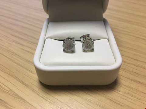 Lot 5 18CT WHITE GOLD STUD EARRINGS SET WITH DIAMONDS WEIGHING +/-3.01CT