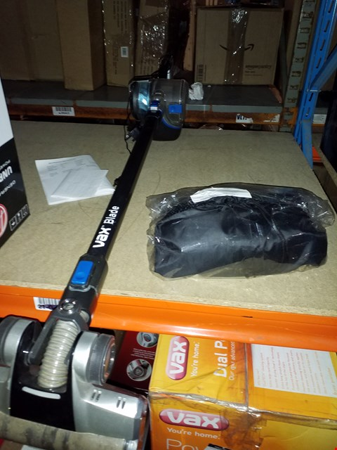 Lot 3469 HOOVER DISCOVERY PETS CORDLESS VACUUM VACUUM , VAX BLADE AND HOOVETCORDLESS VACUUM ACCESSORY PACK