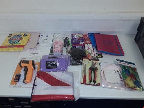 Lot 8074 LOT OF ASSORTED HOUSEHOLD ITEMS TO INCLUDE INFRARED THERMOMETER, FITNESS EQUIPMENT, UNION JACK FLAG