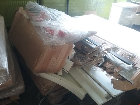 Lot 4150 PALLET OF ASSORTED FURNITURE AND PARTS