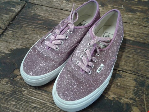 Lot 6776 BOX OF A PAIR OF VANS AUTHENTIC PINK GLITTER SHOES SIZE 5 RRP £72