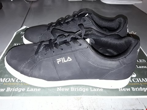 Lot 9041 FILA DESIGNER TRAINERS IN BLACK UK SIZE 9