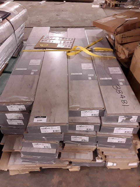 Lot 3189 PALLET OF APPROXIMATELY 24 PACKS OF LAMINATE FLOORING