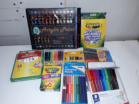 Lot 149 LOT OF 10 ASSORTED ARTS COLOURING SETS TO INCLUDE ACRYLIC PAINT AND STEADTLER PENS