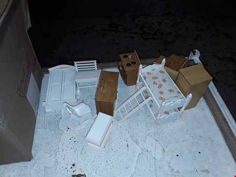 Lot 13944 A BOX OF ASSORTED PLAYHOUSE FURNITURE