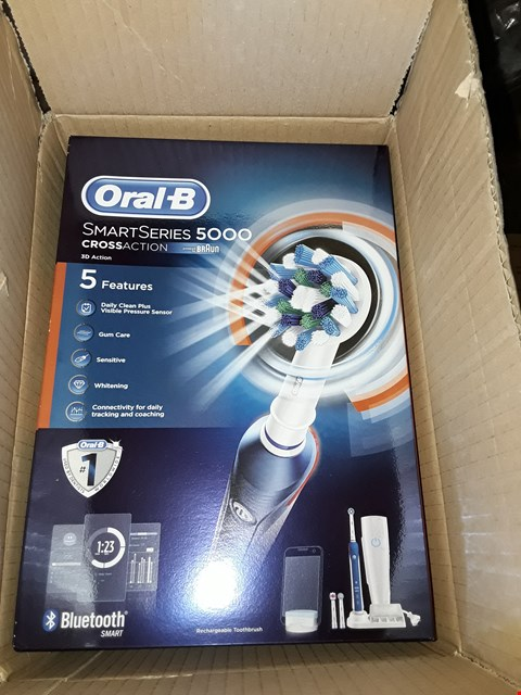 Lot 1445 BOXED BRAND NEW ORAL B SMART SERIES 5000 ELECTRIC TOOTHBRUSH  RRP £88