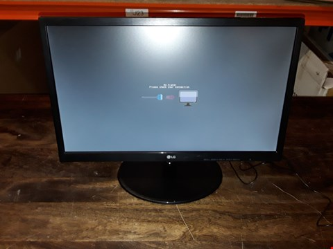 "Lot 577 LG 22"" LED MONITOR - 22M38"