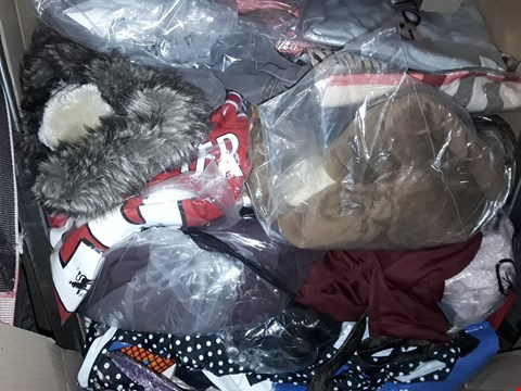 Lot 1350 CAGE OF ASSORTED UNPROCESSED ADULT CLOTHING (CAGE NOT INCLUDED)