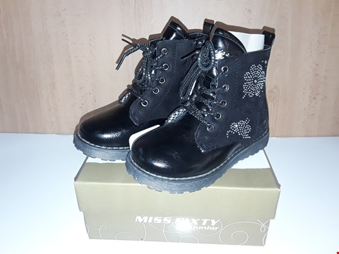 Lot 12655 BOXED MISS SIXTY JUNIOR BLACK LACE/ZIP UP BOOTS WITH DIMANTE DETAIL UK SIZE 10 JUNIOR