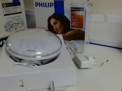Lot 15312 PHILIPS WAKE-UP LIGHT ALARM CLOCK COLOURED SUNRISE SIMULATION