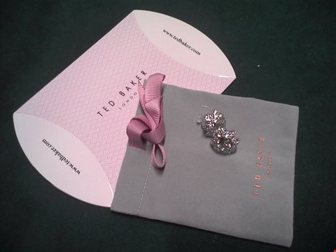 Lot 1549 TED BAKER CRYSTAL DAISY LACE STUD EARRING  RRP £50